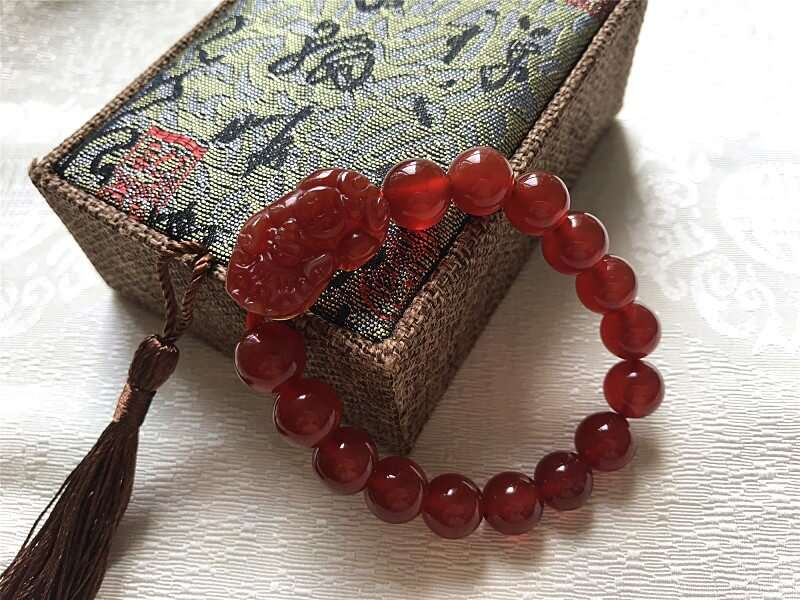 8mm Red Agate for Woman