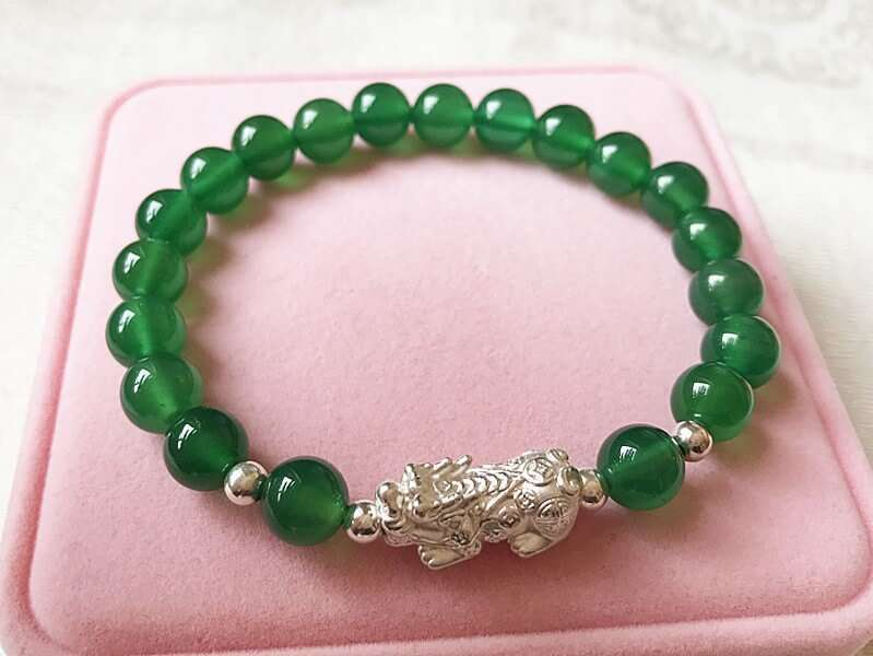 Picture Of S9999 Silver Pi Xiu Yao Green Agate Beads Bracelet To Attract Wealth