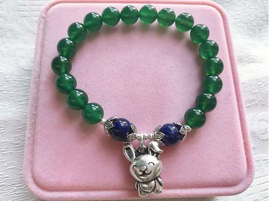 Picture of Green Agate and Lapis Lazuli Beaded Chinese Zodiac Bracelet for Good Health and Career