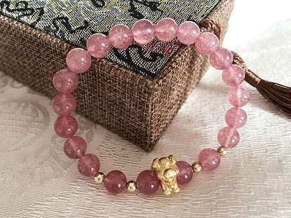 Picture of Natural Strawberry Quartz Crystal Pig Charms Bracelet for Love and Release Pressure