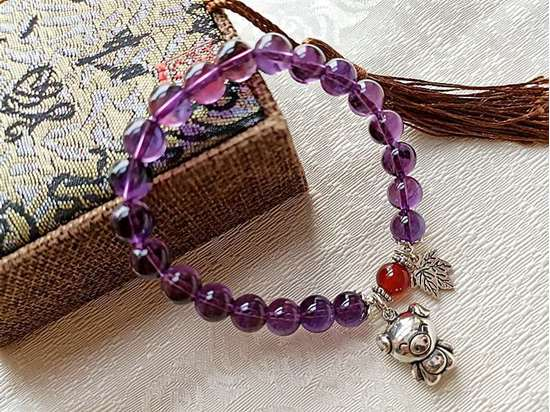 Picture of Amethyst Charm Bracelet with 925 Sterling Silver Chinese Zodiac to Attract Love and Initiate Wisdom