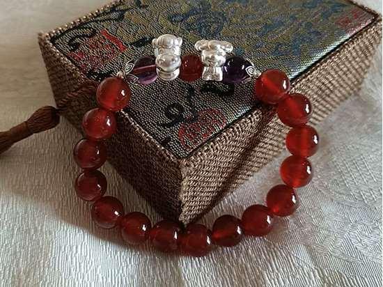 Picture of Red Agate Liuhe (Six Harmonies) Zodiac Symbol Bracelet for Female